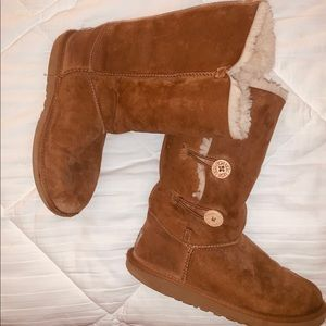 Size 5 ugg boots bailey button triplett